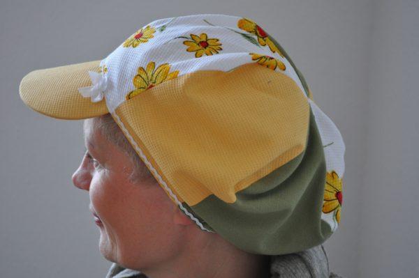 Livja Kasketten gul-grøn-blomstret på livja.dk