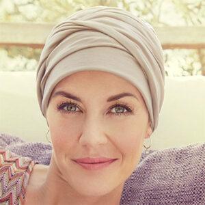 Beigefarvet Mila turban
